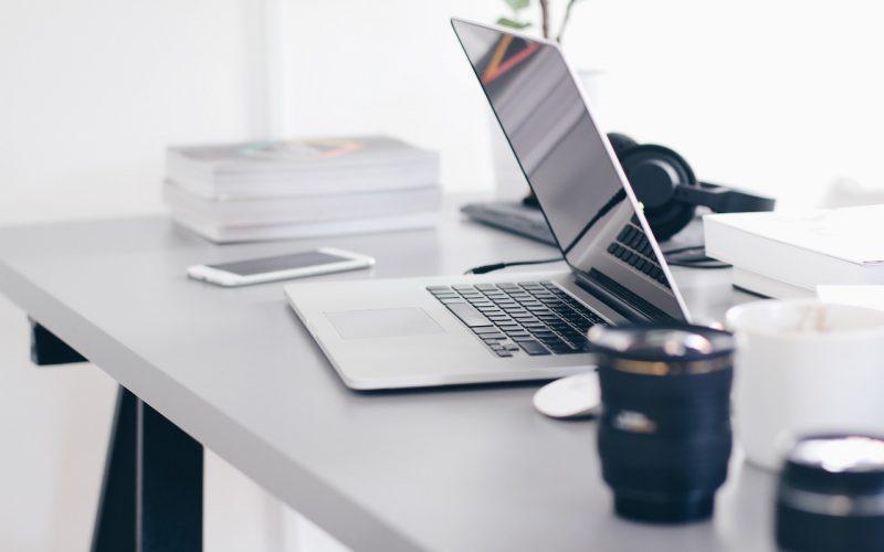 Der passende Schreibtisch für Dein Office