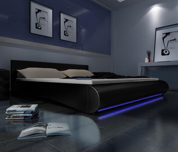 Kunstleder Bett Schwarz 180 x 200 cm mit LED-Streifen